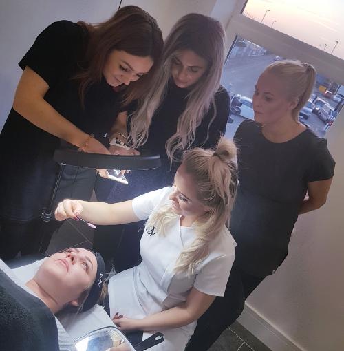 Demonstration of make up training